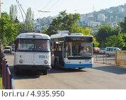 Купить «Крымские троллейбусы. Прошлое и настоящее», фото № 4935950, снято 11 июня 2013 г. (c) Ельцов Владимир / Фотобанк Лори