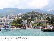 Купить «Ялта. Вид с моря.», фото № 4942882, снято 21 июля 2013 г. (c) Алла / Фотобанк Лори