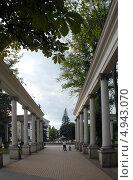 Купить «Калининград. Театральный сквер», эксклюзивное фото № 4943070, снято 11 августа 2013 г. (c) Svet / Фотобанк Лори