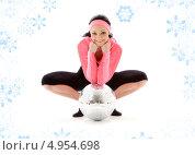 Купить «Спортивная девушка с повязкой на лбу с диско шаром на белом фоне со снежинками», фото № 4954698, снято 5 апреля 2008 г. (c) Syda Productions / Фотобанк Лори