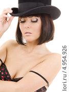 Купить «Роковая брюнетка с каре в черной шляпе», фото № 4954926, снято 25 октября 2008 г. (c) Syda Productions / Фотобанк Лори