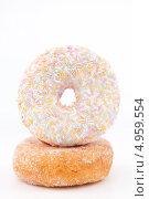 Купить «Пончик с цветной посыпкой на обычном пончике», фото № 4959554, снято 6 февраля 2012 г. (c) Wavebreak Media / Фотобанк Лори