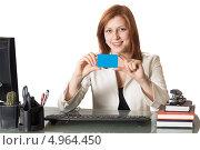 Деловая девушка с кредитной карточкой в руках. Стоковое фото, фотограф oleksandr gurin / Фотобанк Лори