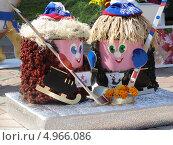Купить «Два сувенирных хоккеиста, ЦСКА и Трактор», фото № 4966086, снято 29 марта 2012 г. (c) елена прекрасна / Фотобанк Лори