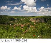 Летний пейзаж. Стоковое фото, фотограф Искрен Петров / Фотобанк Лори