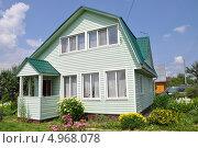 Купить «Дачный дом», фото № 4968078, снято 30 июня 2013 г. (c) Новикова Екатерина / Фотобанк Лори