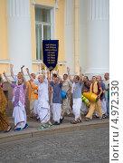 Купить «Шествие кришнаитов в Санкт-Петербурге», фото № 4972330, снято 21 июля 2013 г. (c) Виктор Карасев / Фотобанк Лори