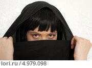 Купить «Девушка в парандже на белом фоне», фото № 4979098, снято 20 июля 2006 г. (c) Syda Productions / Фотобанк Лори