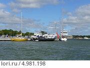 Купить «Корабли в гавани», фото № 4981198, снято 22 июля 2013 г. (c) Валерия Попова / Фотобанк Лори