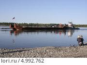 Купить «Паромная переправа через реку Алдан. Якутия», фото № 4992762, снято 18 августа 2013 г. (c) Анна Зеленская / Фотобанк Лори