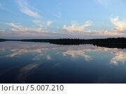 Закат на озере. Стоковое фото, фотограф Андрей Голяк / Фотобанк Лори
