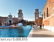 Купить «Вход в Арсенал и Военно-морской музей в Венеции», фото № 5008810, снято 10 июня 2011 г. (c) Юрий Брыкайло / Фотобанк Лори