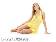 Купить «Красивая девушка в ярком летнем платье», фото № 5024902, снято 2 февраля 2008 г. (c) Syda Productions / Фотобанк Лори