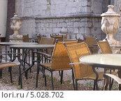 Пустое кафе в старом городе, Пореч, Хорватия. Стоковое фото, фотограф Николаева Наталья / Фотобанк Лори