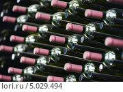 Бутылки вина. Стоковое фото, фотограф Дмитрий Калиновский / Фотобанк Лори