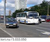 "Автобус № 644 ""Москва-Десногорск"" идет по Щелковскому шоссе, Москва, эксклюзивное фото № 5033050, снято 3 августа 2013 г. (c) lana1501 / Фотобанк Лори"