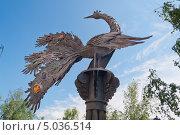 Купить «Памятник Жар-птице в Тобольске», фото № 5036514, снято 7 июля 2013 г. (c) Elena Odareeva / Фотобанк Лори