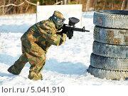 Купить «Игрок в пейнтбол», фото № 5041910, снято 9 марта 2012 г. (c) Дмитрий Калиновский / Фотобанк Лори