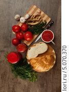 Купить «Острая закуска из помидоров и хрена», фото № 5070370, снято 21 сентября 2013 г. (c) Владимир Мельников / Фотобанк Лори
