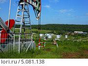 Нефтекачалка. Стоковое фото, фотограф Александр Бельцов / Фотобанк Лори