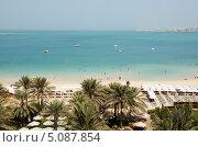Пляж на Палм Джумейра, Дубай, ОАЭ (2013 год). Стоковое фото, фотограф Хмельницкий Вячеслав / Фотобанк Лори