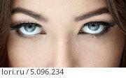 Купить «Глаза прекрасной девушки», фото № 5096234, снято 10 июня 2013 г. (c) Raev Denis / Фотобанк Лори