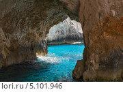 Купить «Голубые пещеры на Закинф. Греция», фото № 5101946, снято 10 сентября 2013 г. (c) Okssi / Фотобанк Лори