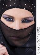Купить «Красивая девушка в черной парандже», фото № 5112002, снято 1 июля 2008 г. (c) Syda Productions / Фотобанк Лори