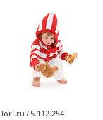 Купить «Маленькая девочка в белых брючках и полосатой кофте», фото № 5112254, снято 20 июня 2009 г. (c) Syda Productions / Фотобанк Лори
