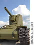 Купить «Танк КВ-2», фото № 5123334, снято 14 августа 2013 г. (c) Михаил Просвирнин / Фотобанк Лори