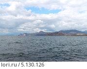 Купить «Вид на горы Алчак и Сокол. Судак. Крым», фото № 5130126, снято 5 сентября 2013 г. (c) Denis Kh. / Фотобанк Лори