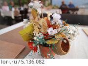 Букетик из искусственных цветов. Стоковое фото, фотограф Vitaly  Chizh / Фотобанк Лори