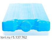 Купить «Голубой аккумулятор холода для термосумки», фото № 5137762, снято 19 июля 2013 г. (c) Константин Лабунский / Фотобанк Лори