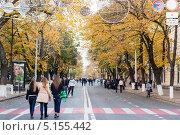 Купить «Город Краснодар, Улица Красная», эксклюзивное фото № 5155442, снято 12 октября 2013 г. (c) Алексей Букреев / Фотобанк Лори