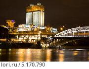 Купить «Москва, здание Академии наук и Андреевский мост вечером», фото № 5170790, снято 7 октября 2013 г. (c) ИВА Афонская / Фотобанк Лори