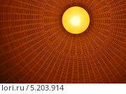 Настольная декоративная лампа с абажуром. Стоковое фото, фотограф Евгений Волвенко / Фотобанк Лори