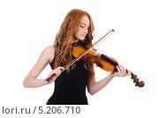 Купить «Молодая девушка играет на скрипке», фото № 5206710, снято 1 октября 2013 г. (c) Elnur / Фотобанк Лори