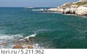 Купить «Морская бухта в Средиземном море. Pejia, Пафос, Кипр», видеоролик № 5211962, снято 27 октября 2013 г. (c) Кекяляйнен Андрей / Фотобанк Лори