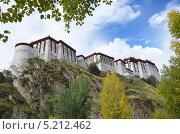Купить «Тибет, Лхаса, дворец Потала», фото № 5212462, снято 5 октября 2013 г. (c) Овчинникова Ирина / Фотобанк Лори