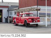 Купить «Пожарная машина в Киркенесе», эксклюзивное фото № 5224302, снято 1 июля 2013 г. (c) Алексей Шматков / Фотобанк Лори