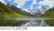 Купить «Озеро в горах Кавказа», фото № 5230358, снято 20 мая 2013 г. (c) александр жарников / Фотобанк Лори