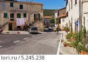 Городской пейзаж, поселок Багни Сан-Филиппо (Bagni S.Filippo, Toscana), Италия, Тоскана (2013 год). Редакционное фото, фотограф Виктория Катьянова / Фотобанк Лори