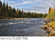 Купить «Пороги на реке Вишера осенью», фото № 5247742, снято 19 сентября 2009 г. (c) Денис Нечаев / Фотобанк Лори