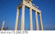 Купить «Руины храма Аполлона в Сиде», видеоролик № 5260370, снято 17 октября 2013 г. (c) Павел С. / Фотобанк Лори