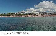 Купить «Люди купаются в море на пляже Coral Bay на Кипре», видеоролик № 5282662, снято 14 ноября 2013 г. (c) Кекяляйнен Андрей / Фотобанк Лори