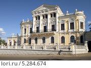 Купить «Дом Мешкова. Пермь», фото № 5284674, снято 2 июня 2013 г. (c) Анатолий Косолапов / Фотобанк Лори
