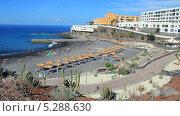 Купить «Пляж с черными песками на юге Тенерифе (Каллао Сальвахе)», видеоролик № 5288630, снято 8 сентября 2013 г. (c) Roman Likhov / Фотобанк Лори