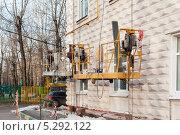 Купить «Ремонт сталинки», фото № 5292122, снято 19 ноября 2013 г. (c) Бурмистрова Ирина / Фотобанк Лори
