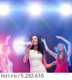 Купить «Красивые девушки отдыхают в ночном клубе под светом софитов», фото № 5292610, снято 20 октября 2013 г. (c) Syda Productions / Фотобанк Лори