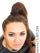 Купить «Портрет молодой шатенки, лицо крупным планом», фото № 5301334, снято 13 октября 2013 г. (c) Сергей Дубров / Фотобанк Лори